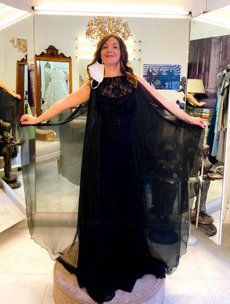 Mariangela Sicilia prova i vestiti di Vittoria Bonini
